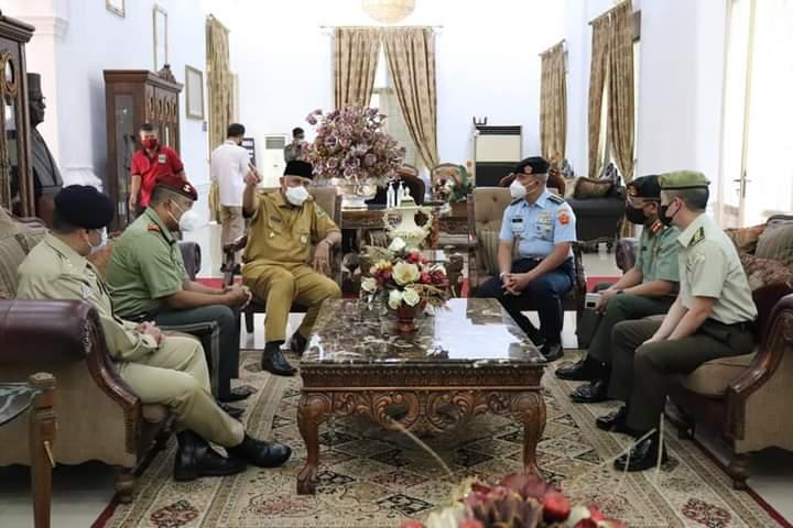 Gubernur Mahyeldi Menerima Kunjungan Pasis Empat Negara Sahabat