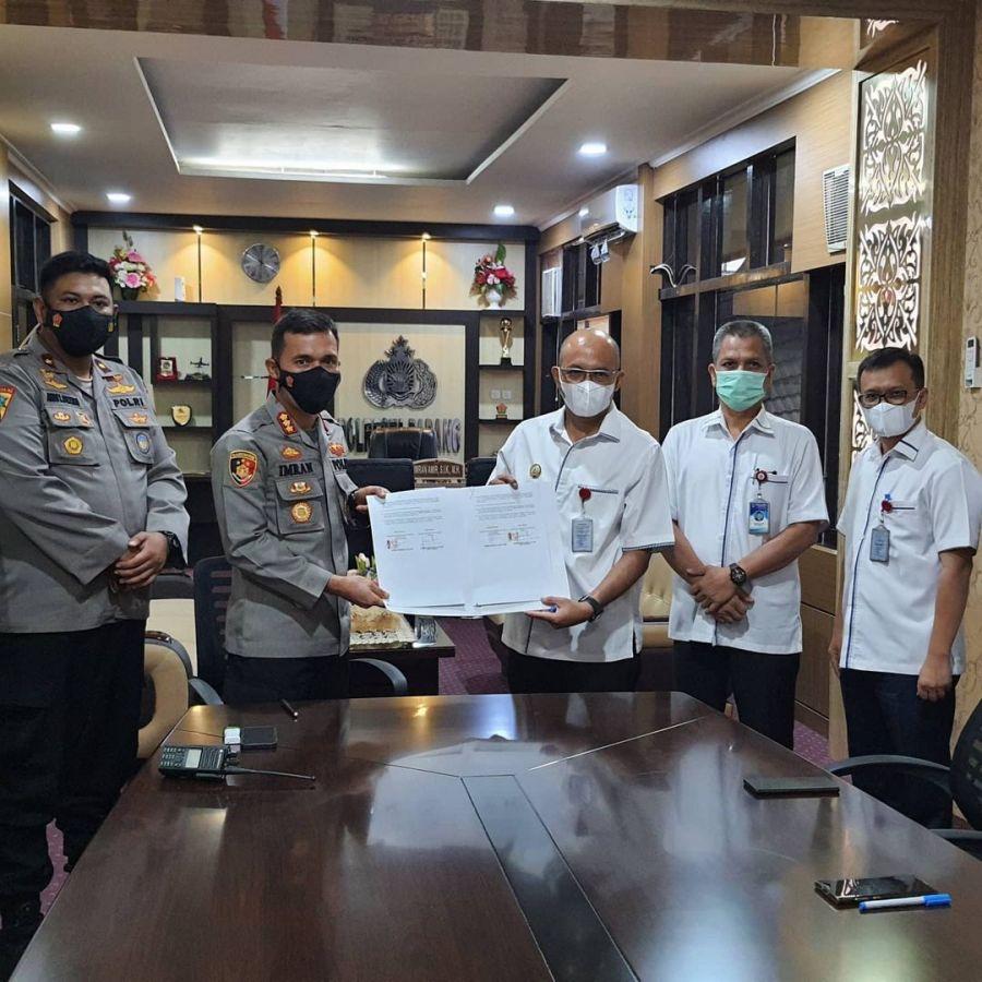 Jamin Keamanan Petugas Penagihan, Perumda AM Kota Padang Tandatangani PKS Dengan Polresta Padang