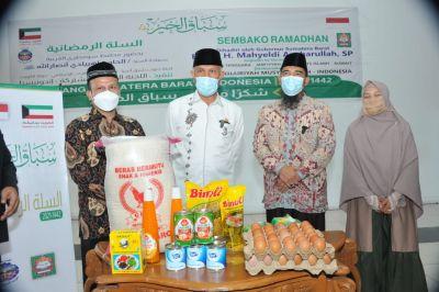 Pemprov Sumbar Terima Bantuan Paket Sembako dari Kuwait